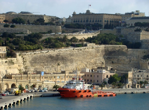 2007Valletta_Harbour, Hajotthu, CC BY-SA 3.0.JPG