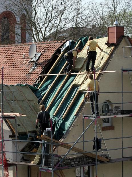 800px-Dachisolierung_Steinwolle, Kuebi, Armin Kübelbeck, CC BY-Sa 3.0.jpg