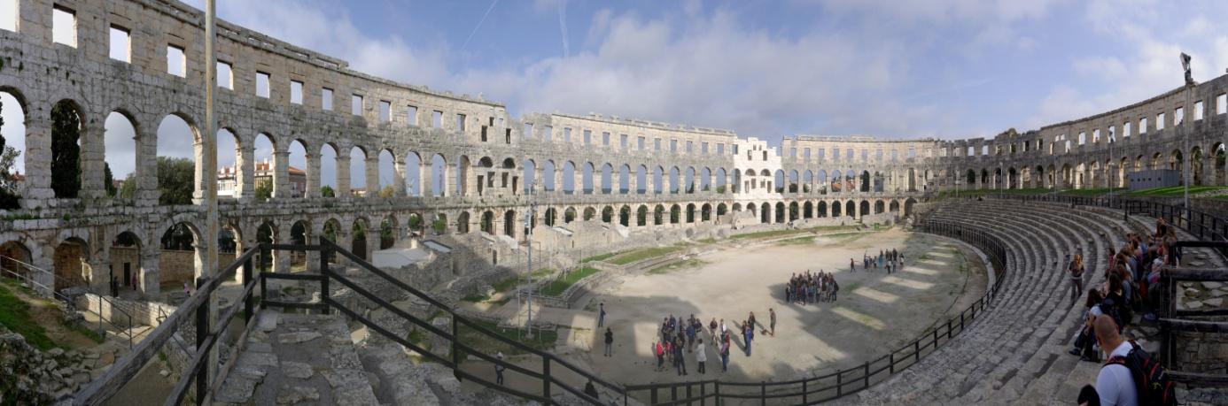 Croatia_Pula_Amphitheatre_interior_BW_2014,Berthold Werner, CC BY-Sa 3.0.jpg