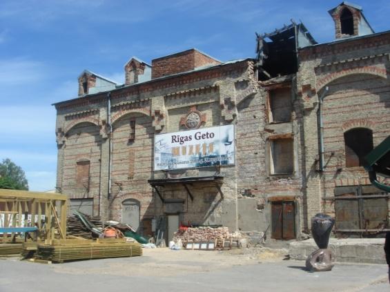 Innenhof von Rigas Ghetto.jpg