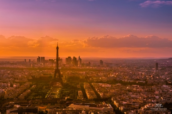Sunset_over_Paris_5,_France_August_2013, Tommie Hansen, CC BY 2.0.jpg
